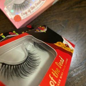 Makeup - Bundle of lashes